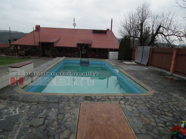 Prodej, sklad, obchodní prostor - jiný, ubytování, cihla, 400 m2, pozemek 2 252 m2, v obci Lípa