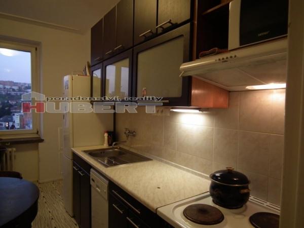 Prodej: pěkný cihlový byt 2+1 (65 m2) s balkonem, v centru Zlína