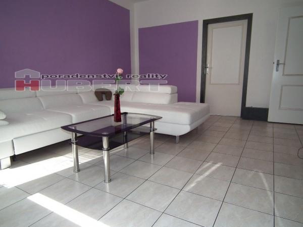 Prodej: pěkný prostorný byt 3+1 (73m2) s krytou lodžií ve Zlíně, v klidné části J.S.