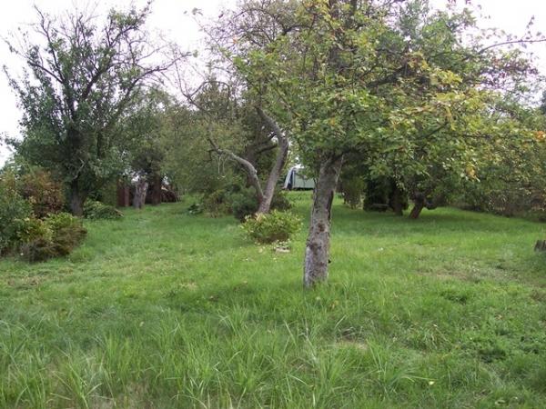 zahrada s dřevěných zahradním domkem Otrokovice