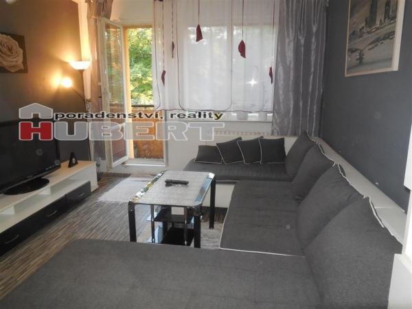 Prodej: pěkný byt 3+1 (67 m2) s balkonem, v klidné části Otrokovic - Trávníky