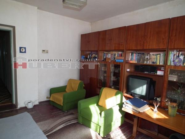 Prodej: RD cihlový 3+1 (191 m2), v klidné části obce Francova Lhota