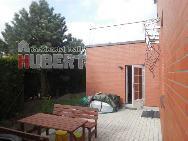 Prodej: cihlový rodinný dům - atypický, 4+1, 1+1, 210 m2, ve Zlíně