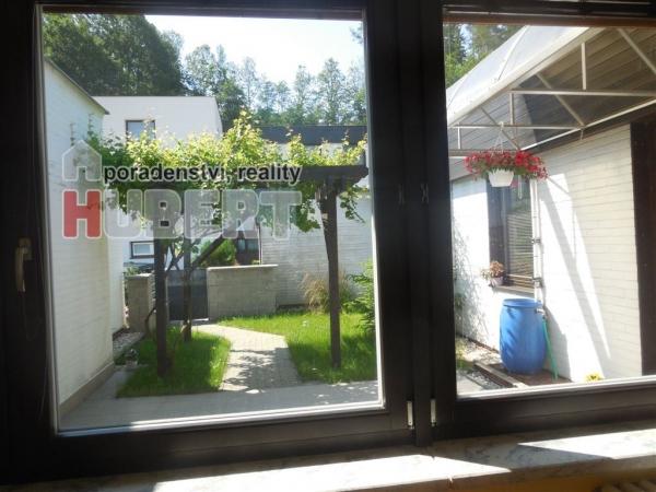 Prodej: rodinný dům (350 m2) s terasou a garáží v klidné části Zlína, lokalita Lazy