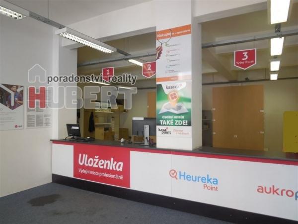 Pronájem: komerční prostory pro služby (130m2) - v centru Zlína